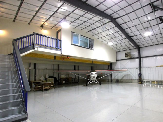 Image gallery hangar homes for Hangar home plans